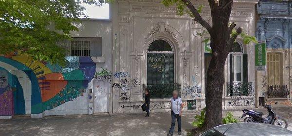 frente del edificio del CFP 410 en calle 7 nª 1429 La Plata.